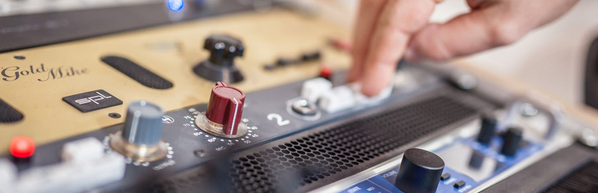 Mixing im Tonstudio – Outboard Gear
